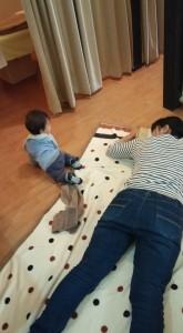 床で施術3